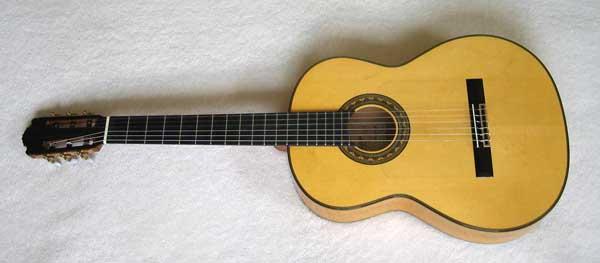 "Milagro ""El Gallo"" Flamenco Guitar, Spruce /Spanish Cypress, Hardshell case -- by Neris Gonzalez Signed Label"