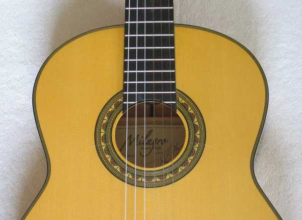 "Milagro ""El Gallo"" Flamenco Guitar, Spruce /Spanish Cypress, Hardshell case -- by Neris Gonzalez Signed Label"